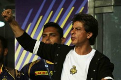 Ipl 2021 Fan Asks Shahrukh Khan 600 Crores For Film Or Ipl Trophy Know What Answer King Khan Gave