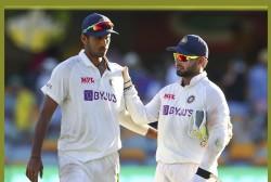 Fielding Coach R Sridhar Revealed Washington Sundar Did Not Have A Pad Before Test
