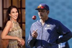 India Vs England Shobha De Trolls Ravi Shastri With Meme Indian Head Coach Gives Befitting Reply