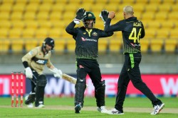 New Zealand Vs Australia Ashton Agar Joins Elite List Of Players To Take A 6 Wicket Haul In T20is