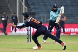 India Vs England 3rd Odi Virat Kohli Jump In Air To Take One Hand Stunner Of Adil Rashid Video Viral
