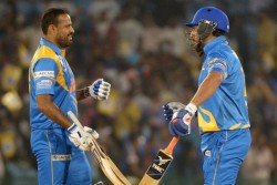 Road Safety World Series 2021 Final Yuvraj Yusuf Pathan Fifties Helped India Legends To Set Target
