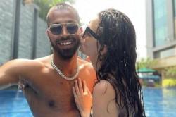 Natasa Stankovic Kiss To Hardik Pandya In Swimming Pool Photo Viral