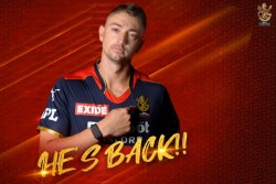 Ipl 2021 Good News For Rcb Daniel Sams Joins Bio Bubble After Being Tested Negative In Corona Virus