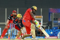 Pbks Vs Rcb Ipl 2021 Chris Gayle Smashes 5 Fours In One Over Joins 400 Club Of Most Fours In Ipl