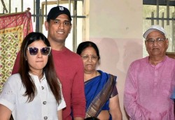 All The Details About Ms Dhoni Parents Sibling And Other Details About Family