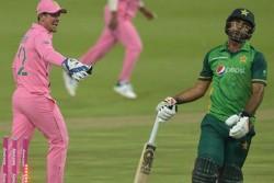 Fakhar Zaman Run Out Quinton De Kock Fake Fielding Controversy What Are Rules And Penalty For This