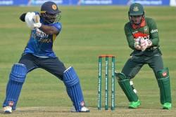 Bangladesh Vs Sri Lanka Mustfiqur Rahim Viral Comment Dhakka Dekar Gira De Recorded In Stump Mic