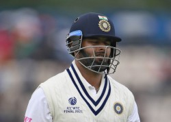 Michael Vaughan Concerned About The Indian Test Series Said This By Tagging Rishabh Pant