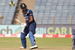 India Vs Sri Lanka Hardik Pandya Poor Form Continues As Got Lbw Out First Time In Career