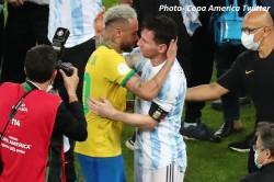 Copa America 2021 Lionel Messi Hugs Broken Neymar After Brazil Final Loss Video