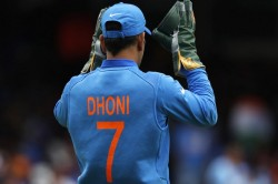 Ravi Shastri Reveals Ms Dhoni S Bravest And Most Selfless Decision Of Career Calls Him Biggest Plyer