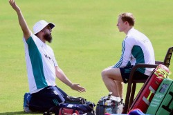 Former Pakistan Cricketer Saqlain Mushtaq Appeals Icc To Look Into 15 Degree Elbow Rule For Bowlers