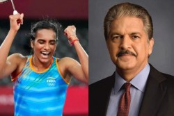 Tokyo 2020 Olympics After Pv Sindhu Bronze Medal Win Twitterati Demanded Anand Mahindra To Gift Thar