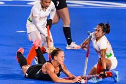 Tokyo Olympics 2020 India Vs Argentina Women Hockey Team Semifinal Indian Team Showcases Heroic