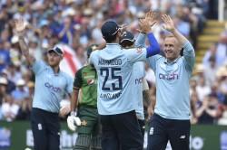 English Journalist Slams England Cricket Board For Leaving Pakistan Tour