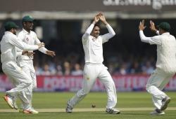 PAK vs ENG Test: खतरनाक गेंदबाजी के दम पर पाकिस्तान ने इंग्लैंड को 'क्रिकेट के घर' में रौंदा