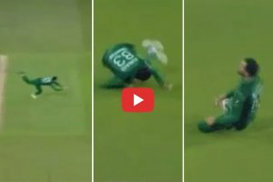 कैच लेकर मैदान पर 'गुलाटी' मारने लगा पाकिस्तानी गेंदबाज