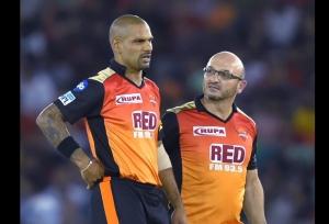 IPL 11: सनराइजर्स हैदराबाद के लिए बुरी खबर, शिखर धवन का खेलना अभी तय नहीं!