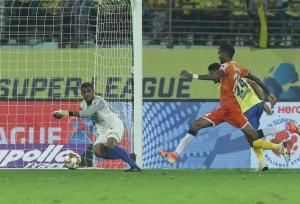 ISL 6 : 10 खिलाड़ियों वाली गोवा ने रोड्रिगेज के दम पर केरला को बराबरी पर रोका