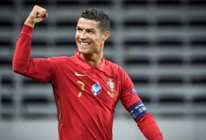 100 इंटरनेशनल गोल करने के बाद अब क्रिस्टियानो रोनाल्डो की नजरें इस रिकॉर्ड पर