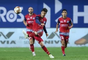 ISL-7 : दो बार के चैम्पियन चेन्नइयन FC की विजयी शुरुआत, जमशेदपुर FC को 2-1 से हराया