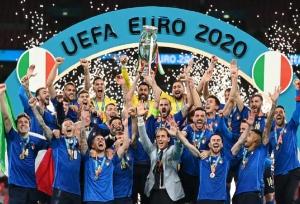 Euro 2020 : इटली बना चैंपियन, पेनल्टी शूटआउट में इंग्लैंड को किया चारों खाने चित्त