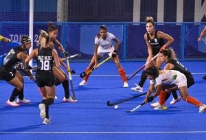 Tokyo 2020 : सेमीफाइनल में हारी महिला हाॅकी टीम, 'गोल्ड मेडल' जीतने का सपना टूटा