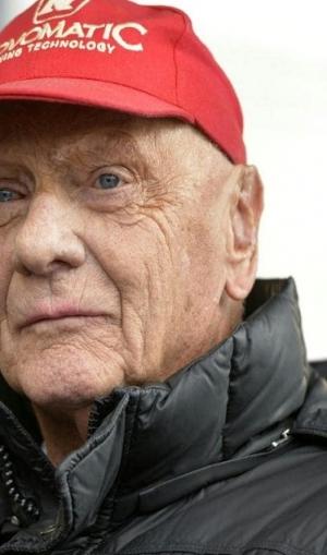 दिग्गज फार्मूला वन रेसर निकी लौडा का 70 साल की उम्र में निधन