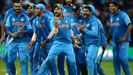 वनडे क्रिकेट में सबसे ज्यादा छक्के लगाने वाले खिलाड़ी, जानिए कौन है टीम इंडिया का सिक्सर किंग!
