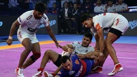 Pro Kabaddi League 2018: आखिरकार टूटा दबंग दिल्ली की हार का सिलसिला, हरियाणा स्टीलर्स को दी मात