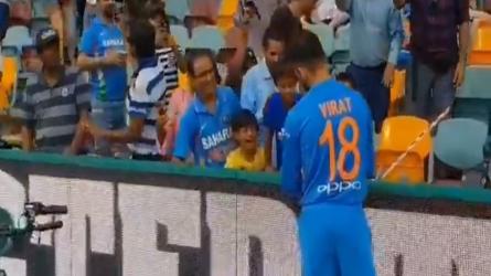 INDvsAUS: मैच शुरू होने से पहले विराट कोहली ने किया दिल जीतने वाला काम, देखें Video