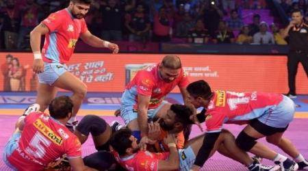 Pro Kabaddi 2018: पिंक पैंथर्स की झोली से अंतिम समय में यू मुंबा ने छीन ली जीत