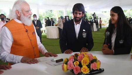 'क्या बेटा बहुत गुस्सा आ गया तुम्हें', जब विनेश फोगाट से बोले PM मोदी